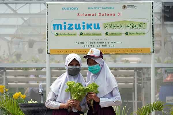 SGB Resmikan Fasilitas Greenhouse di Sekolah Binaan Mizuiku
